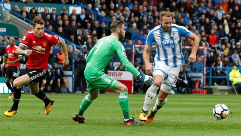 Terriers punishes manchester united