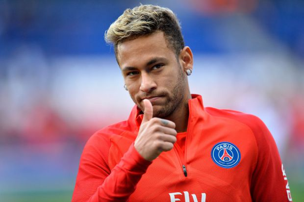 PARIS, FRANCE - SEPTEMBER 30:  Neymar Jr of Paris Saint-Germain salutes the fans during warmup before the Ligue 1 match between Paris Saint Germain and FC Girondins de Bordeaux at Parc des Princes on September 30, 2017 in Paris, .  (Photo by Aurelien Meunier/Getty Images )
